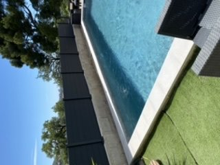 Pose clôture de piscine à Marseille.