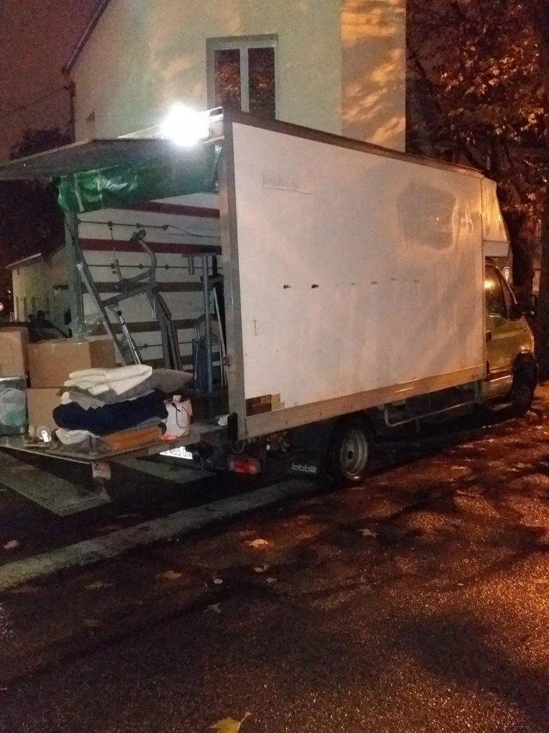Camion 24 m3 avec hayon