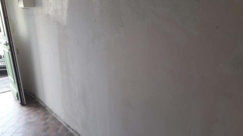 mur de la photo A aprés rechargement au mortier a la chaux puis finition