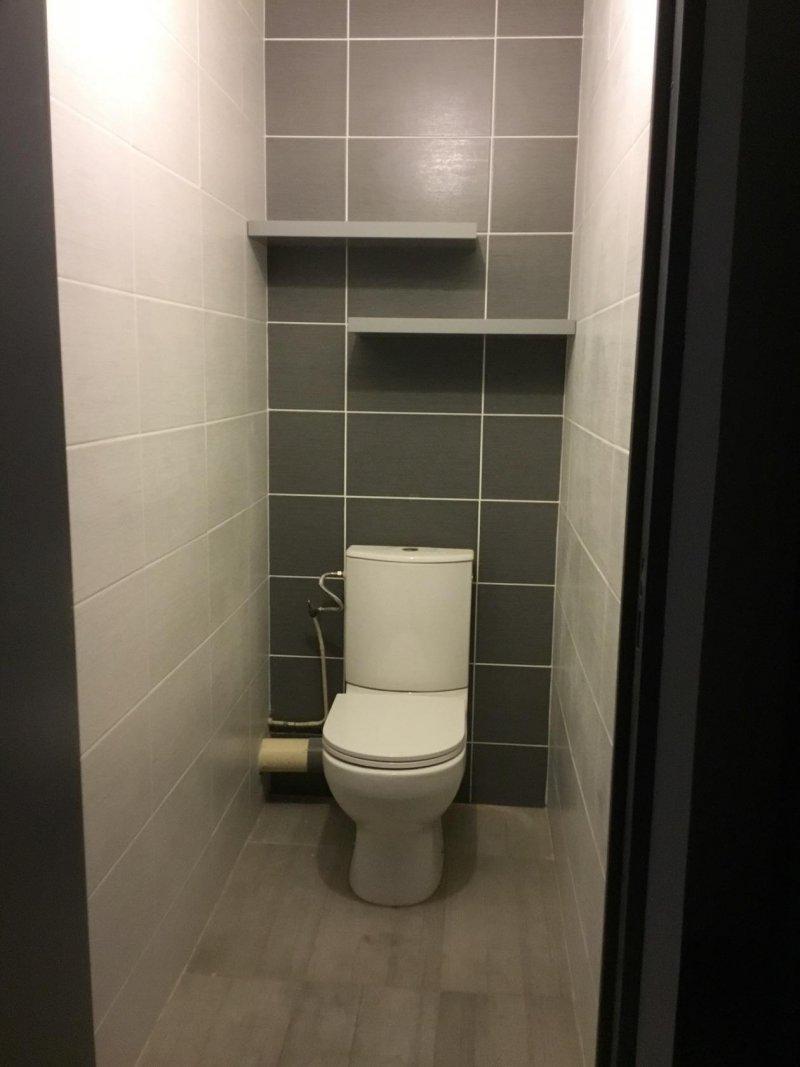 - Pose faience et carrelage, installation et branchement wc.