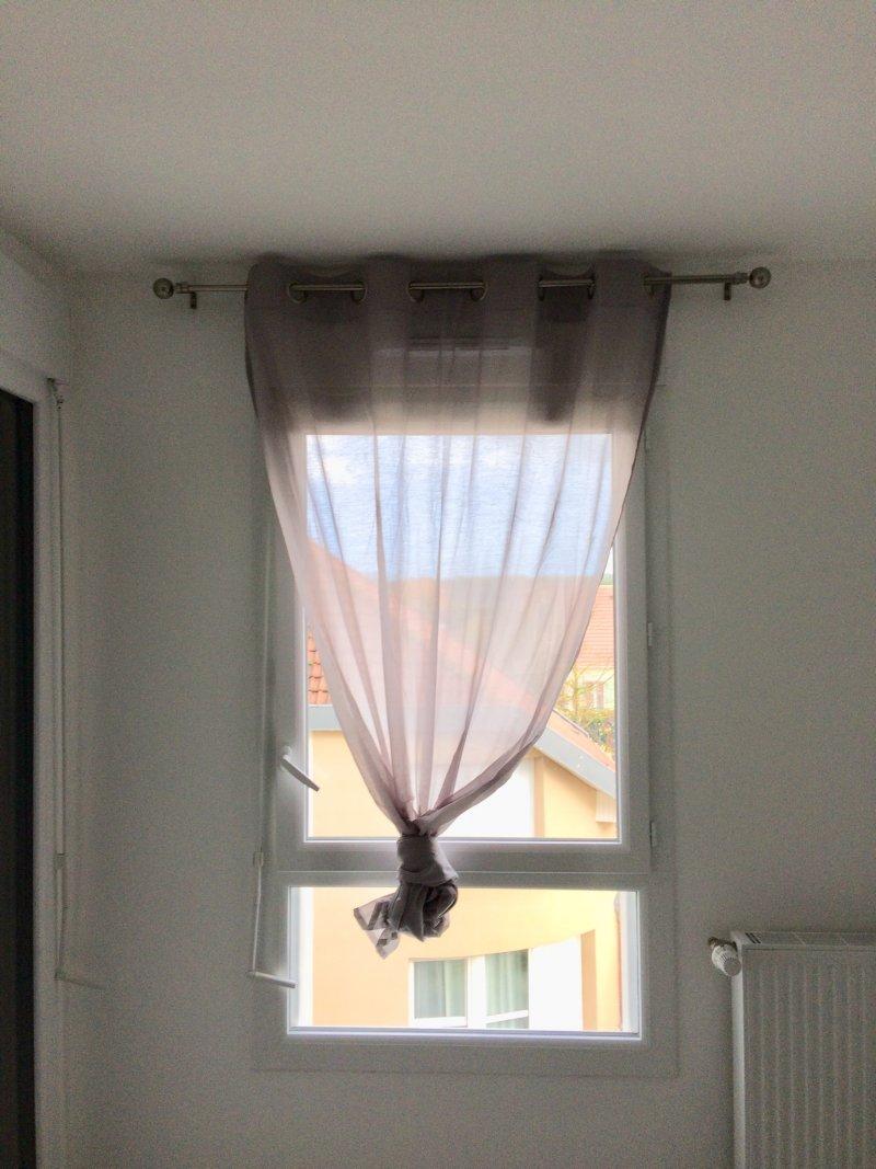 Tringle à rideau chambre
