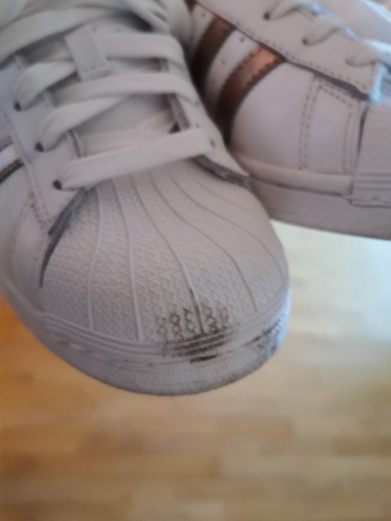Avant d'une paire de chaussures