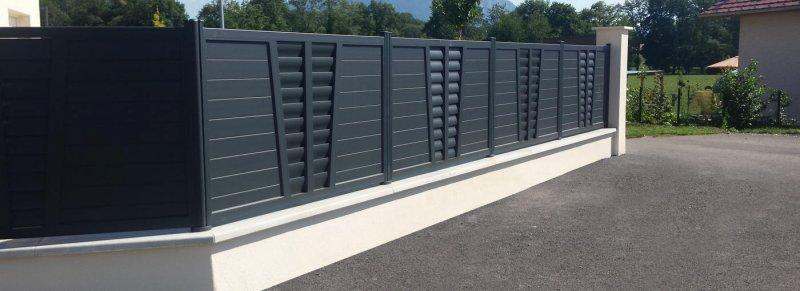 Installation clôture aluminium