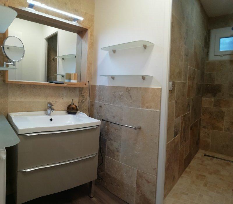 Salle de bain , et rénovation complète