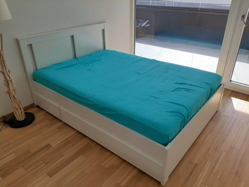 Ikea Bett mit Schubladen