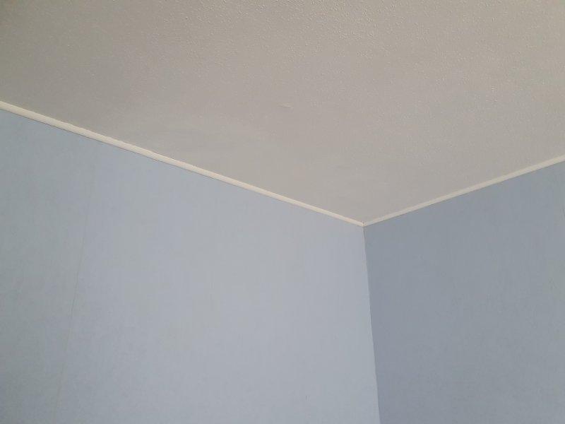 Enduit, cache tâche infiltration d'eau, Peinture plafond plinthes, Papier peint