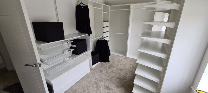 Wardrobe room installation