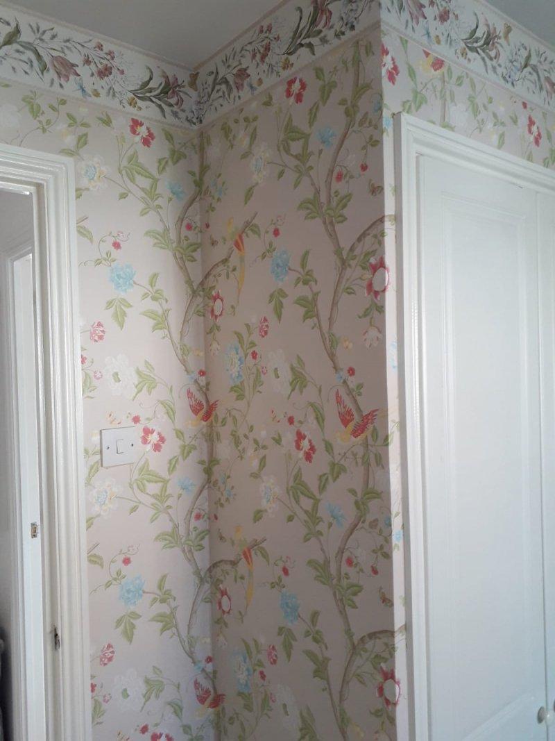 Wallpapering - tricky corners and doorways