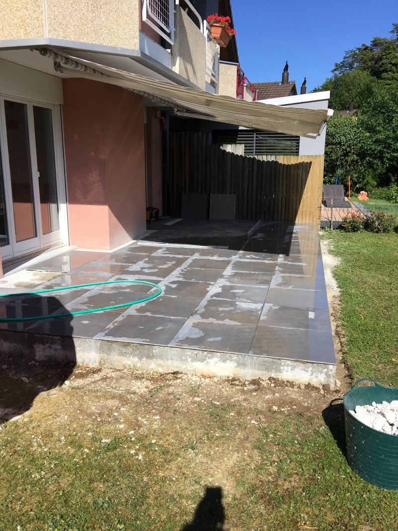 Terrasse dalle béton finition carrelage60x60