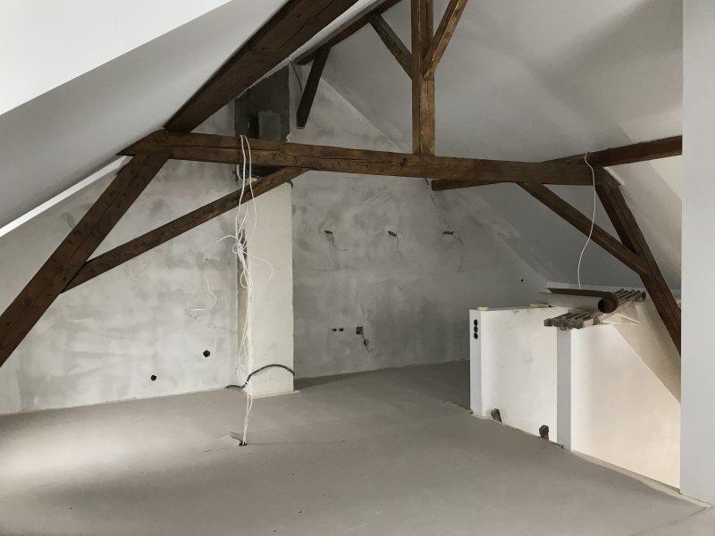 Isolations sous le toit, châssis en bois avec revêtements en fermacell (Photo avant la peinture).