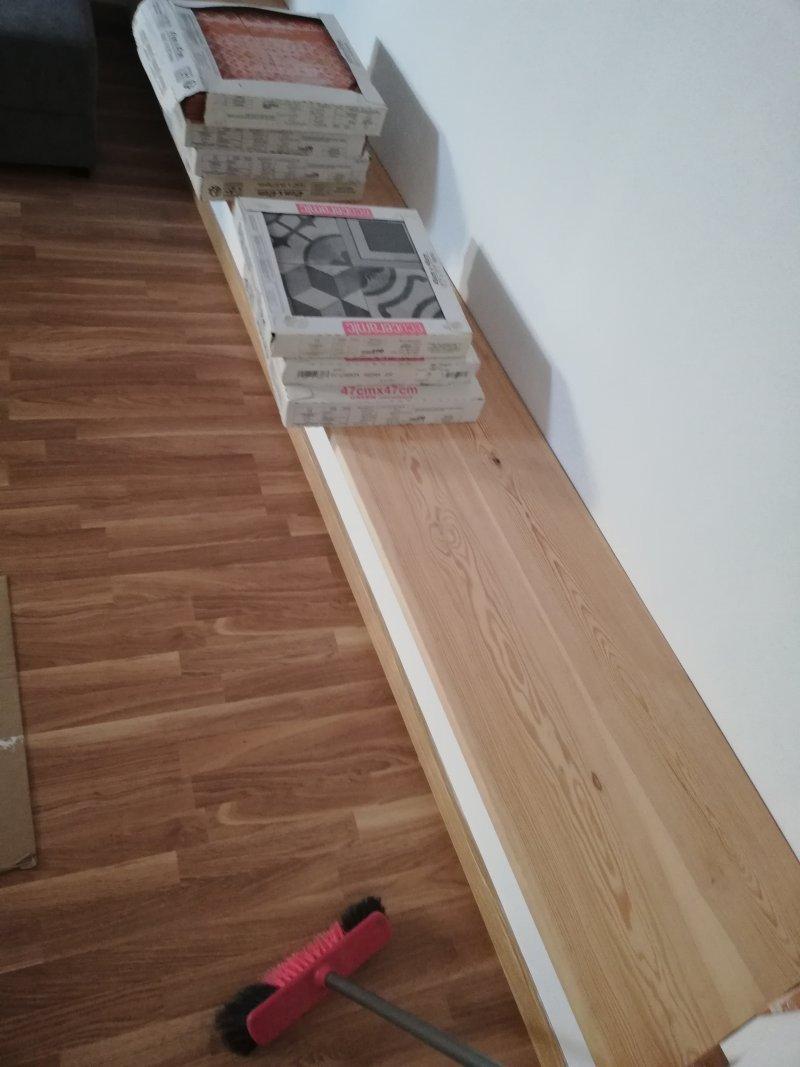 Montage du parquet flottant et armoire tv encastrable