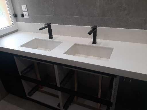 Pose de meuble et plan ainsi que les vasques